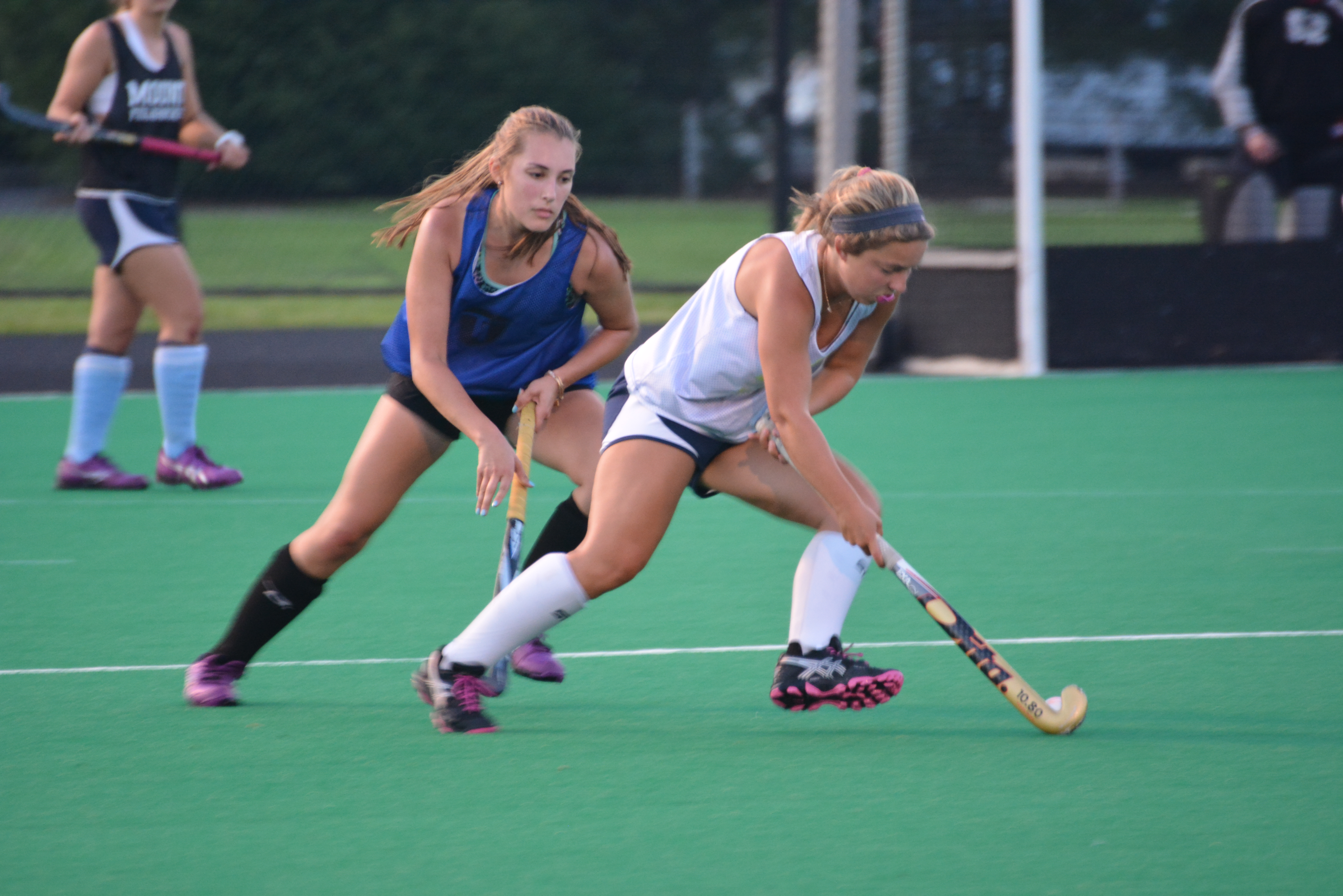 Liza Welch Shows Her Defensive Skills In A Scrimmage