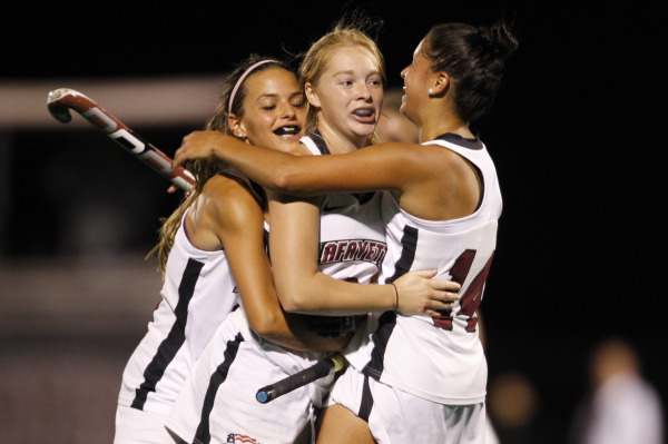 Goleopards.com captures Ami Turner and team celebration after goal in the second period