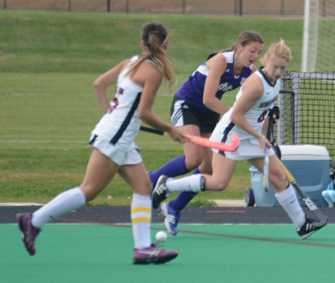 Ami Turner breaks upfield in the first half