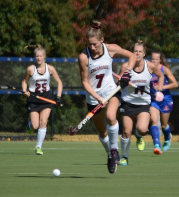 Ellen Colbourne breaks upfield early in the game